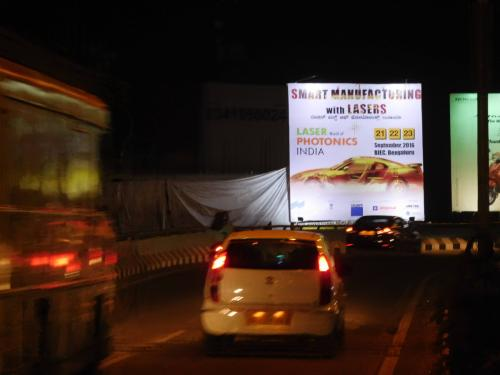Billboards and unipoles (3)